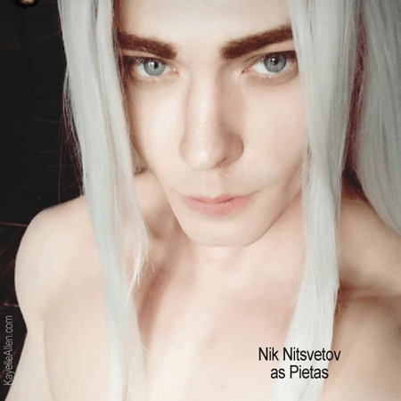 Okay, fangirl. How did the cosplay go? Well, @Nitsvetov was perfect. Me? Hmm #Cosplay #SciFi